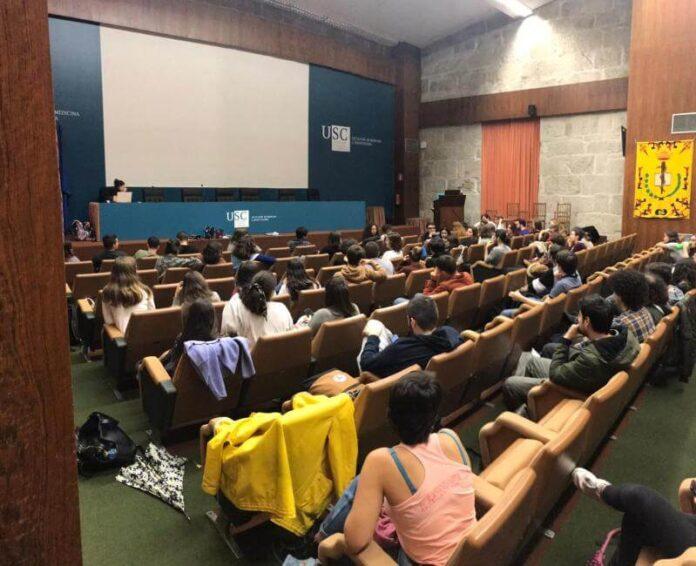 Primera asemblea aberta de medicina |@AsembleaMed